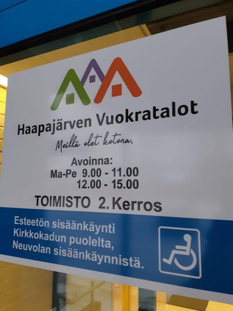 Kuva Haapajärven vuokratalojen toimiston infokyltistä